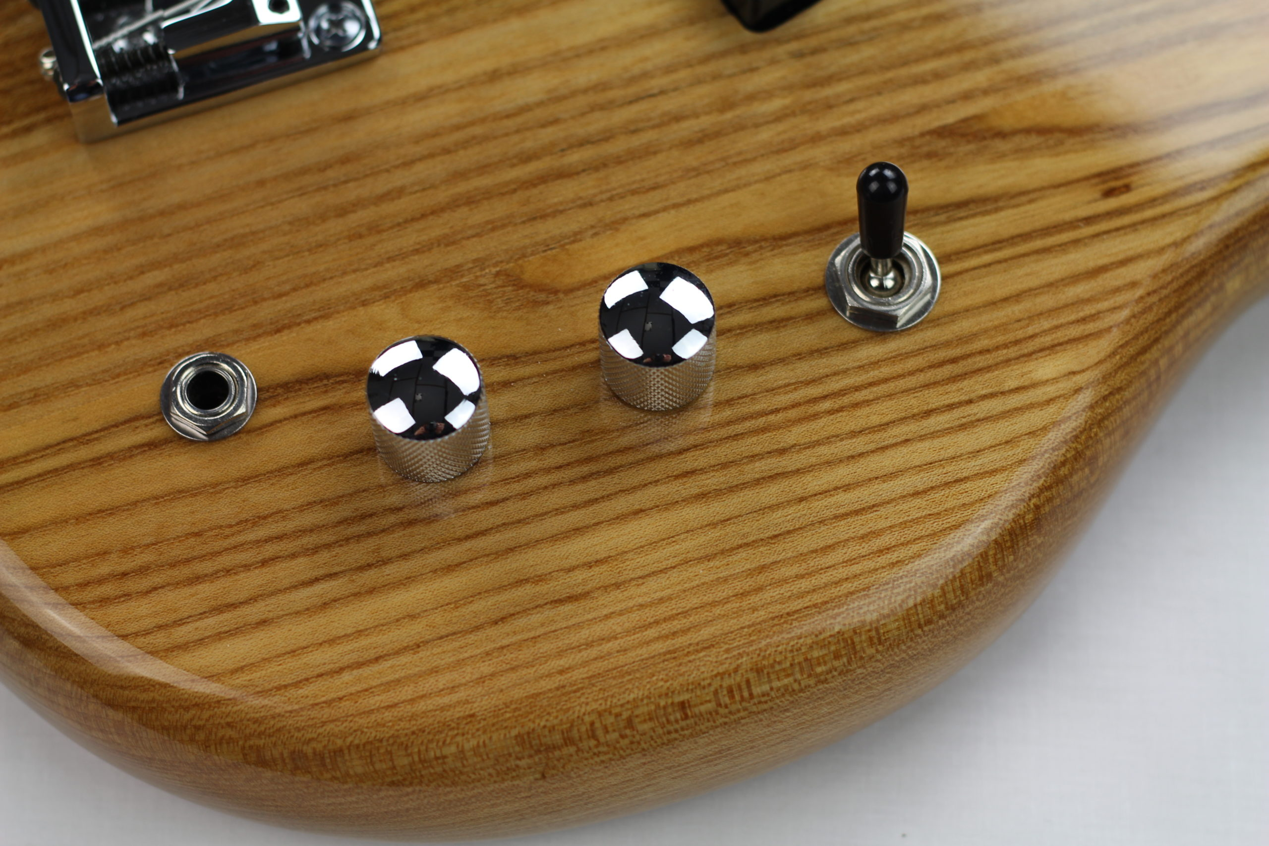 Chowny SWB-1 short scale bass control layout