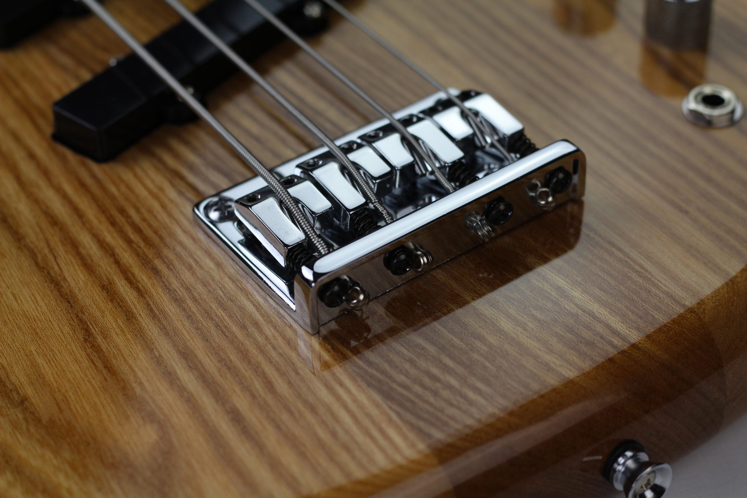 Chowny SWB-1 short scale bass bridge