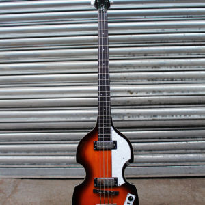 Hofner Violin short scale bass front