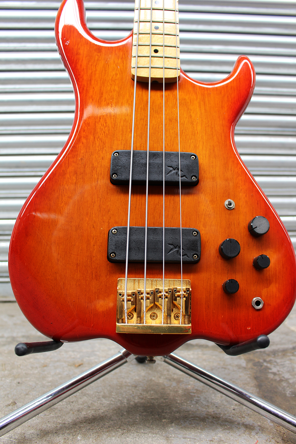 sold wilkes active long scale bass guitar circa 1983 stunning short scale bass uk. Black Bedroom Furniture Sets. Home Design Ideas